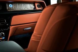 Rolls-Royce-Phantom-2018-1600-0f