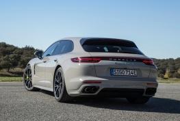 Porsche-Panamera_Turbo_S_E-Hybrid_Sport_Turismo-2018-1600-2b