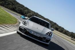 Porsche-Panamera_Turbo_S_E-Hybrid_Sport_Turismo-2018-1600-50