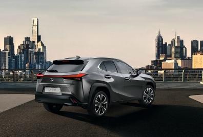 Lexus-UX-2019-1600-05