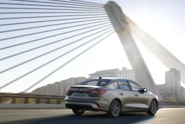 Ford-Focus_Sedan-2019-1600-07
