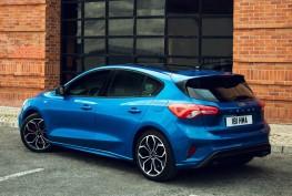 Ford-Focus_ST-Line-2019-1600-10